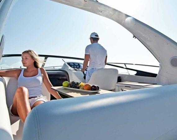 Bavaria Motorboote für Charter Biograd